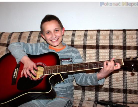 """""""Chłopiec z gitarą"""""""