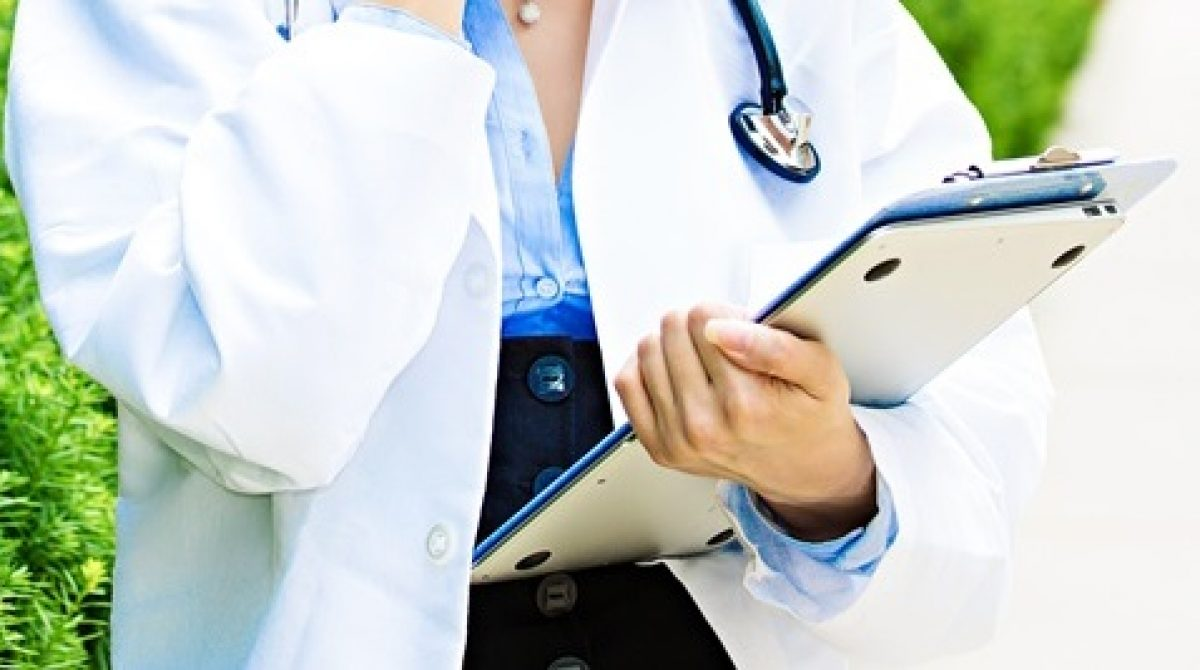 Kontakt do lekarzy (emaile, telefony)